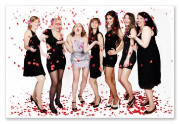 JGA 7 Frauen mit Rosenblüten