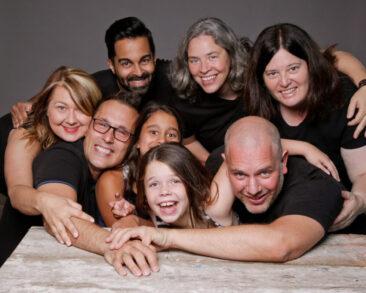Familienfotos Gruppenfotos am Tisch