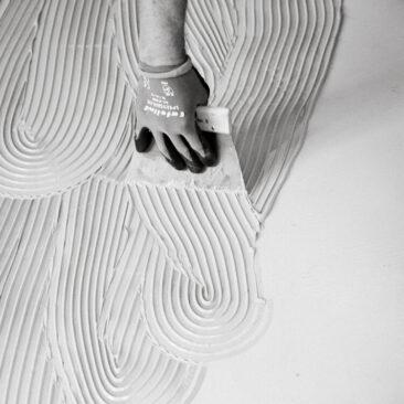 Businessfotos Hand mit Spachtel schwarz-weiß sw